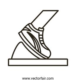 runner foot with tennis line style icon