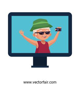 old man eldery tourist with camera photographic in desktop
